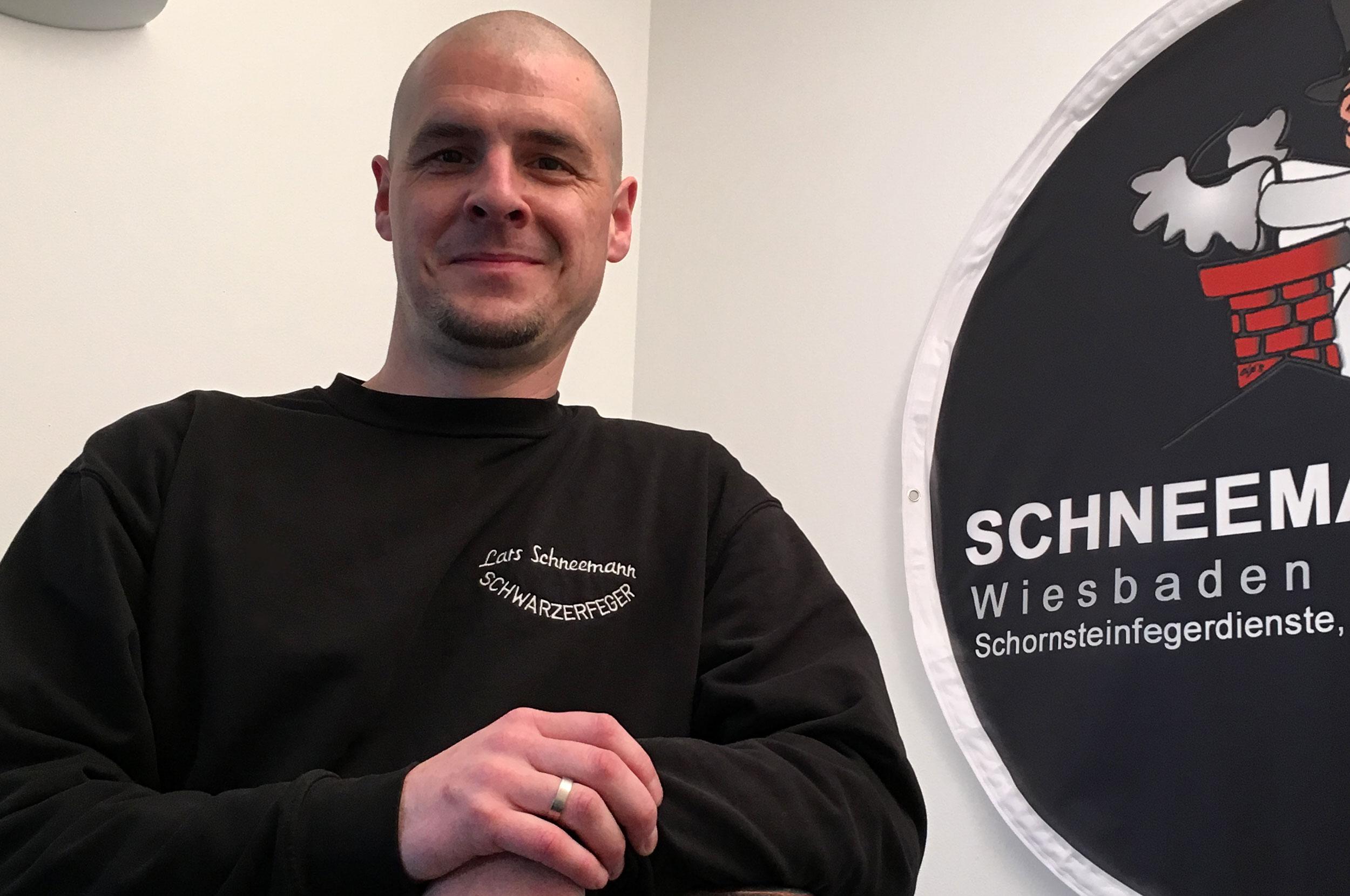 http://schwarzerfeger.de/wp-content/uploads/2015/12/lars-schneemann-sfm.jpg